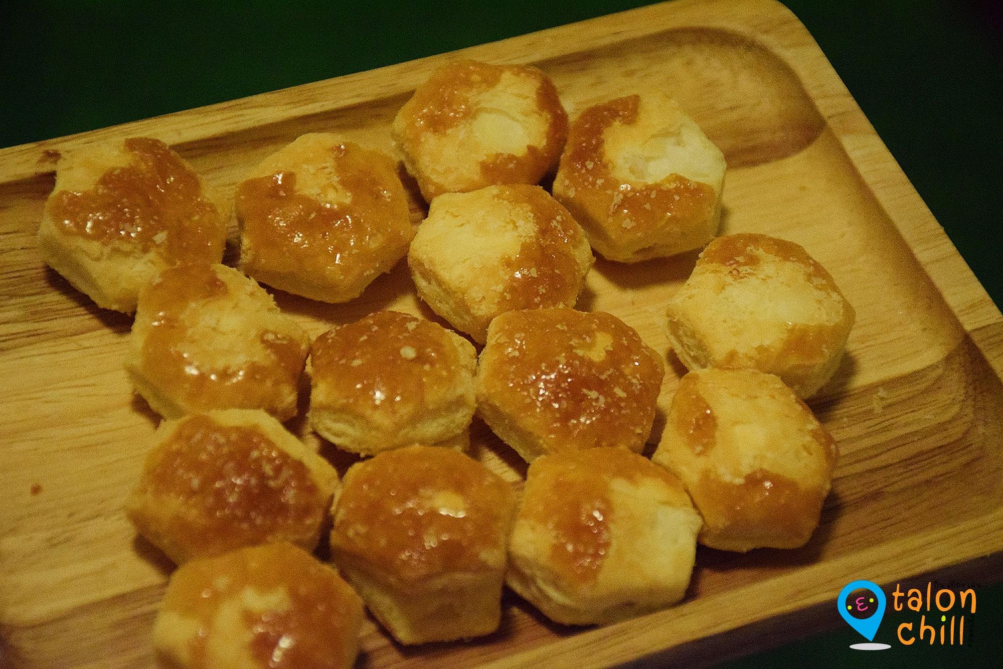 [แกะหนม] LOTTE PIE NO MI (พาย โน มิ) ขนมปังกรอบสอดไส้