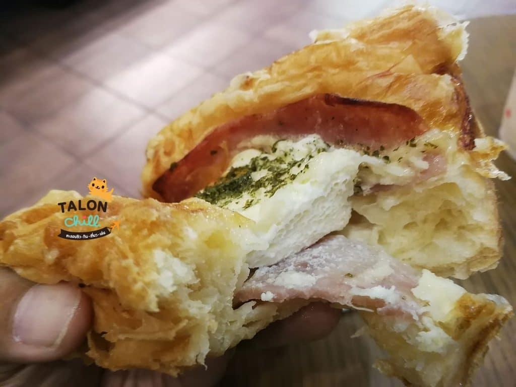 [รีวิวของกินเซเว่น] โทสต์แฮมไข่ดาว (toast ham with egg) ราคา 32 บาท 260 แคล